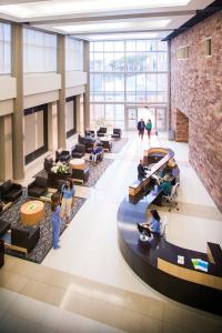 65691-Scripps-Proton-Therapy-Center-Interior-Lobby-2013-original
