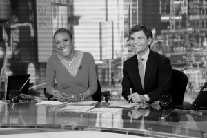 Robin_Roberts_at_desk